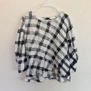 Nic + Zoe Black & White Printed Lightweight Blouse